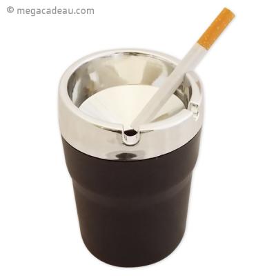 cendrier pouvant masquer l 39 odeur de cigarette. Black Bedroom Furniture Sets. Home Design Ideas